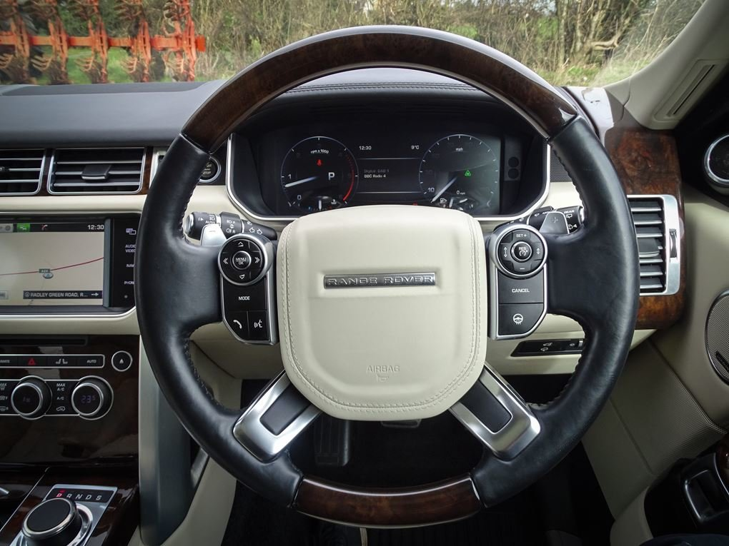 2014 Land Rover  RANGE ROVER  4.4 SDV8 AUTOBIOGRAPHY 8 SPEED AUTO For Sale (picture 7 of 24)