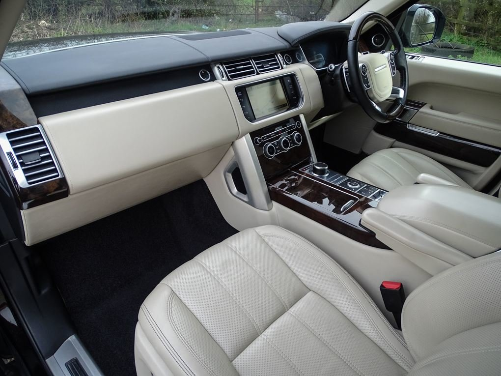 2014 Land Rover  RANGE ROVER  4.4 SDV8 AUTOBIOGRAPHY 8 SPEED AUTO For Sale (picture 13 of 24)