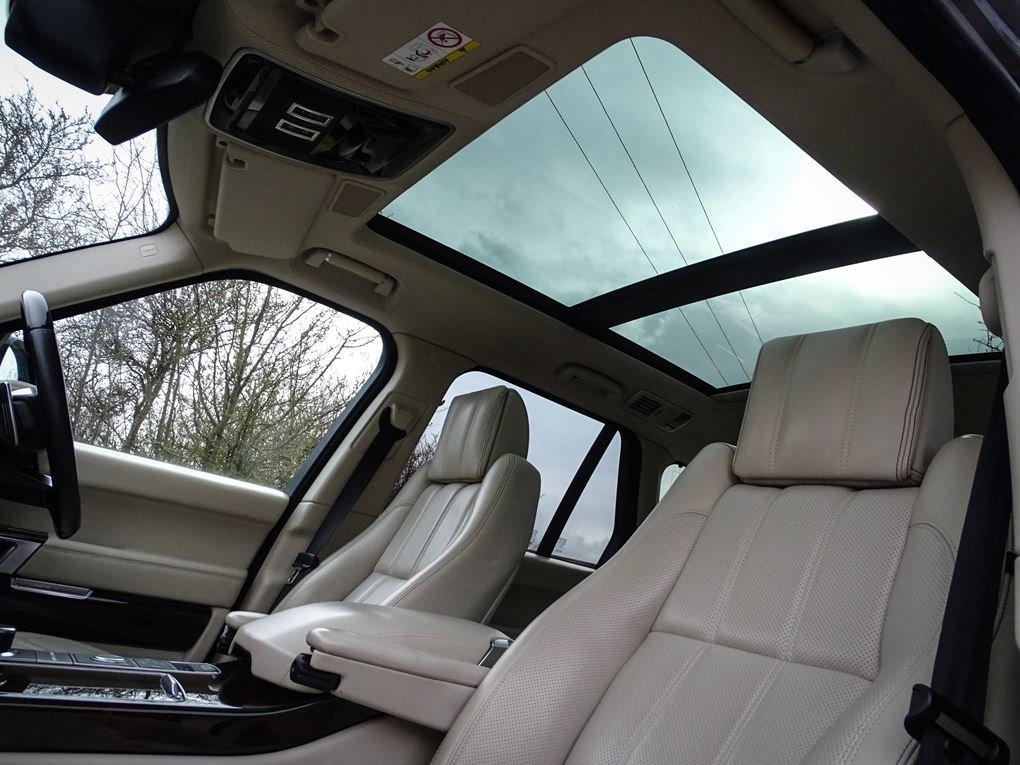 2014 Land Rover  RANGE ROVER  4.4 SDV8 AUTOBIOGRAPHY 8 SPEED AUTO For Sale (picture 14 of 24)