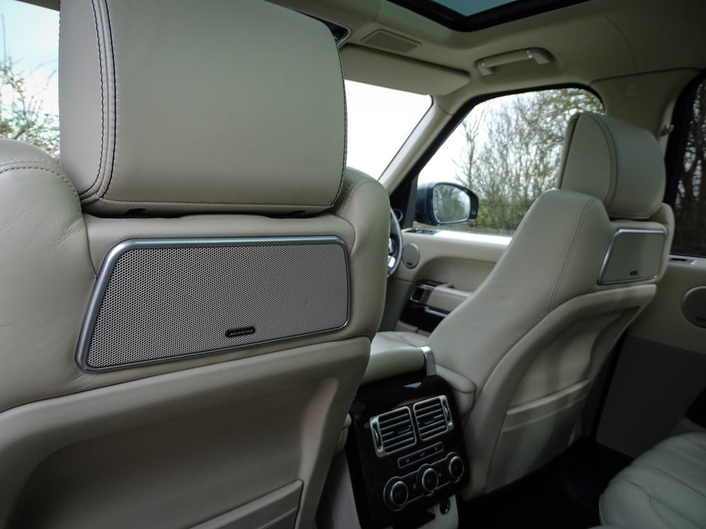 2014 Land Rover  RANGE ROVER  4.4 SDV8 AUTOBIOGRAPHY 8 SPEED AUTO For Sale (picture 16 of 24)