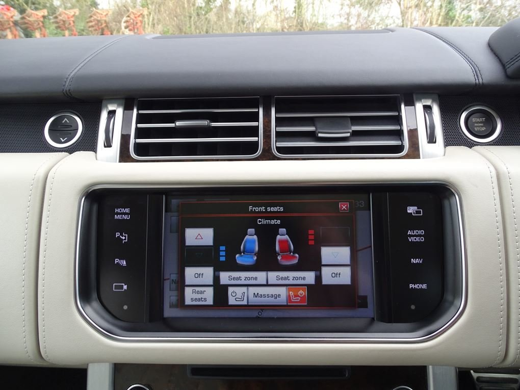 2014 Land Rover  RANGE ROVER  4.4 SDV8 AUTOBIOGRAPHY 8 SPEED AUTO For Sale (picture 19 of 24)