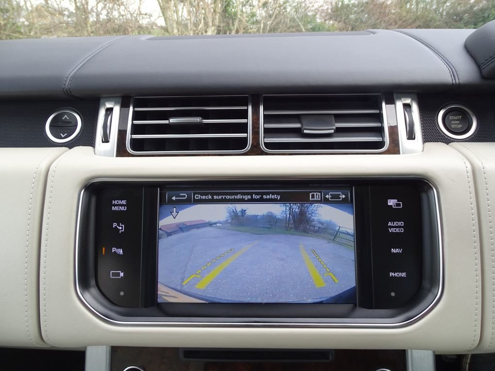 2014 Land Rover  RANGE ROVER  4.4 SDV8 AUTOBIOGRAPHY 8 SPEED AUTO For Sale (picture 21 of 24)