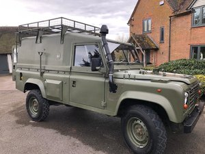 Commanders Wolf Land Rover with bed