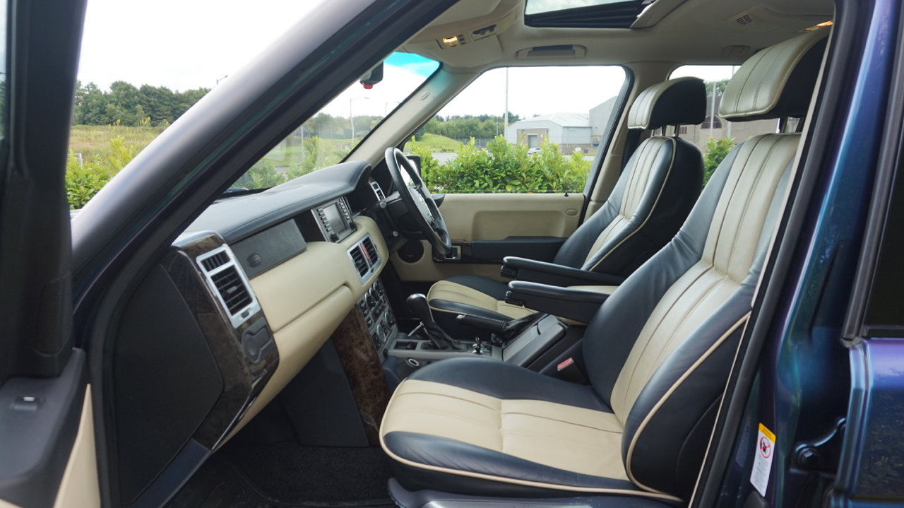 2003 Range Rover Autobiography Spectral Blue, Rear TVs For Sale (picture 5 of 6)