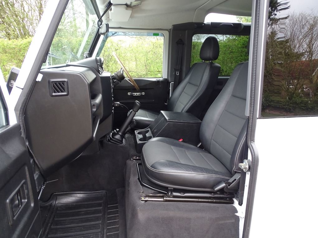 2013 Land Rover  DEFENDER 90  TD XS STATION WAGON  27,948 For Sale (picture 3 of 19)