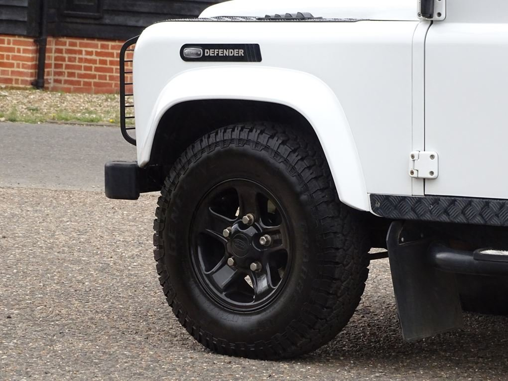 2013 Land Rover  DEFENDER 90  TD XS STATION WAGON  27,948 For Sale (picture 5 of 19)