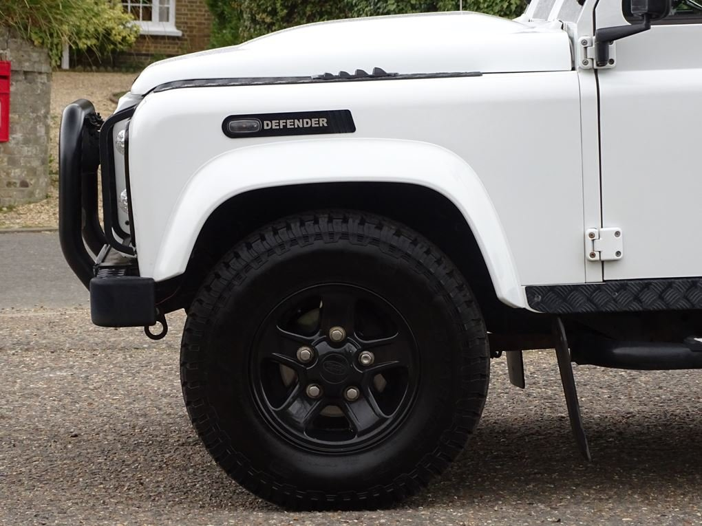2013 Land Rover  DEFENDER 90  TD XS STATION WAGON  27,948 For Sale (picture 8 of 19)