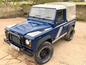 Picture of 2003/53 Defender 90 TD5 pickup with tilt+smart example SOLD