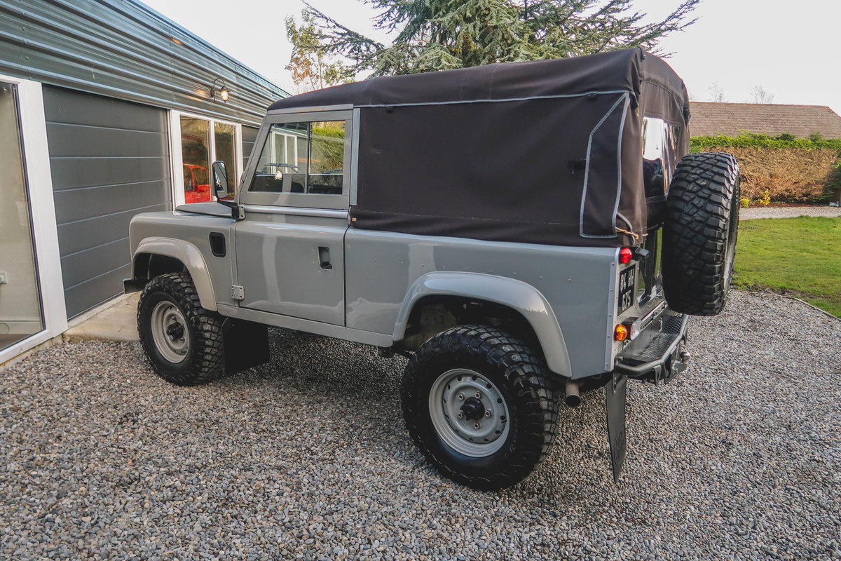 1984 Exceptional Bespoke Land Rover Defender SOLD (picture 3 of 6)