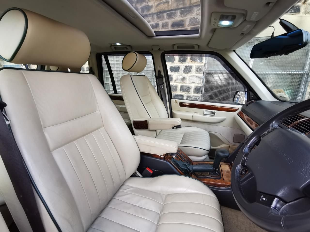 1999 Range Rover Vogue SE 1 of 30 cars, 1 Year Warranty For Sale (picture 2 of 6)