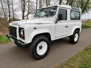 Land Rover Defender 90 SW 2.2 Tdci as new with French V5