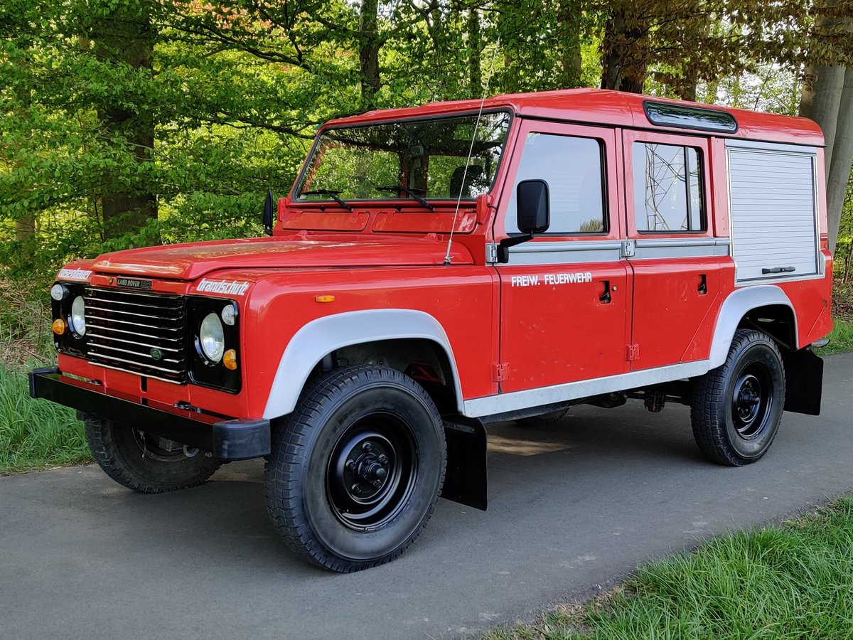 1986 Landrover 110 V8 Stationwagon, 8700 km, left hand drive For Sale (picture 1 of 6)