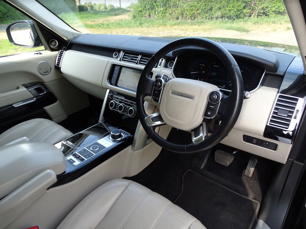 2013 Land Rover  RANGE ROVER  TDV6 VOGUE 3.0 8 SPEED AUTO  24,948 For Sale (picture 6 of 24)
