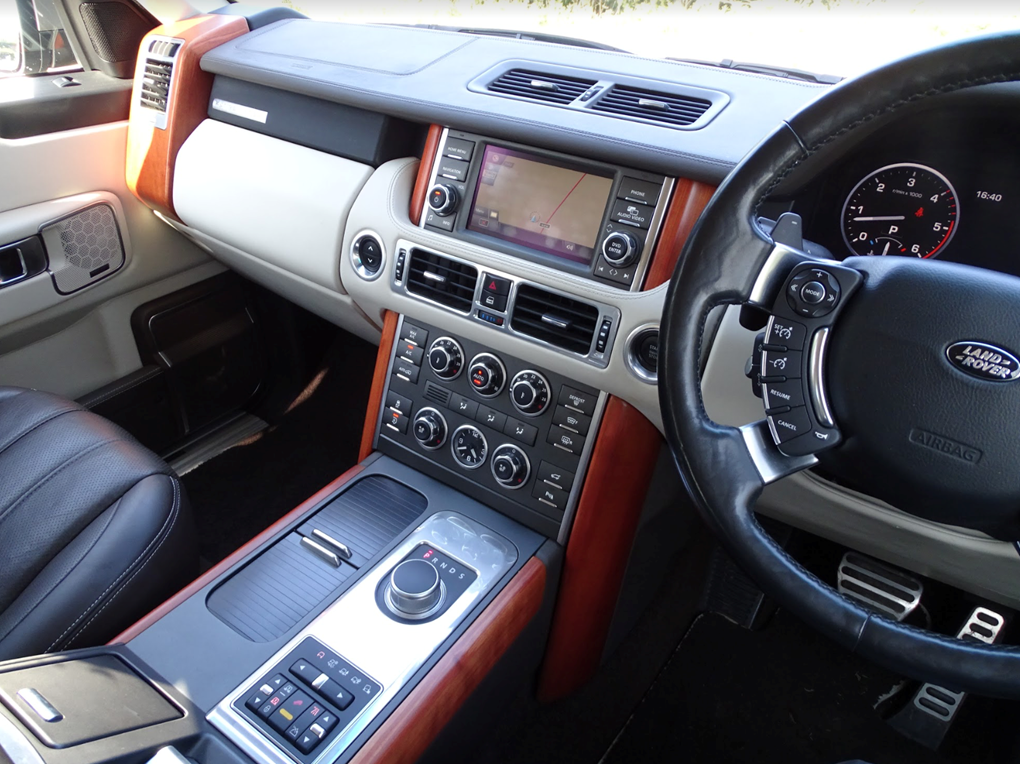 2011 Land Rover  RANGE ROVER  4.4 TDV8 AUTOBIOGRAPHY 8 SPEED AUTO For Sale (picture 6 of 24)