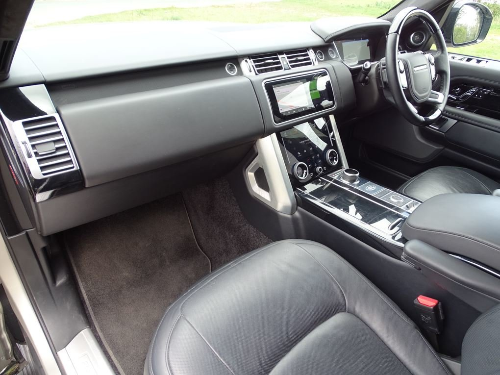 2018 Land Rover  RANGE ROVER  3.0 TDV6 VOGUE SE 8 SPEED AUTO  53, For Sale (picture 18 of 24)