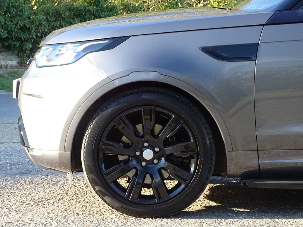 2017 Land Rover  DISCOVERY  3.0 TD6 HSE LUXURY EU6 7 SEATER 8 SPE For Sale (picture 5 of 24)