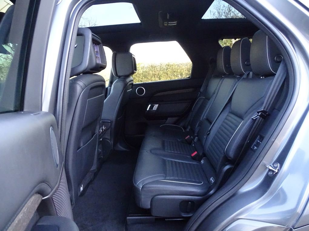 2017 Land Rover  DISCOVERY  3.0 TD6 HSE LUXURY EU6 7 SEATER 8 SPE For Sale (picture 13 of 24)