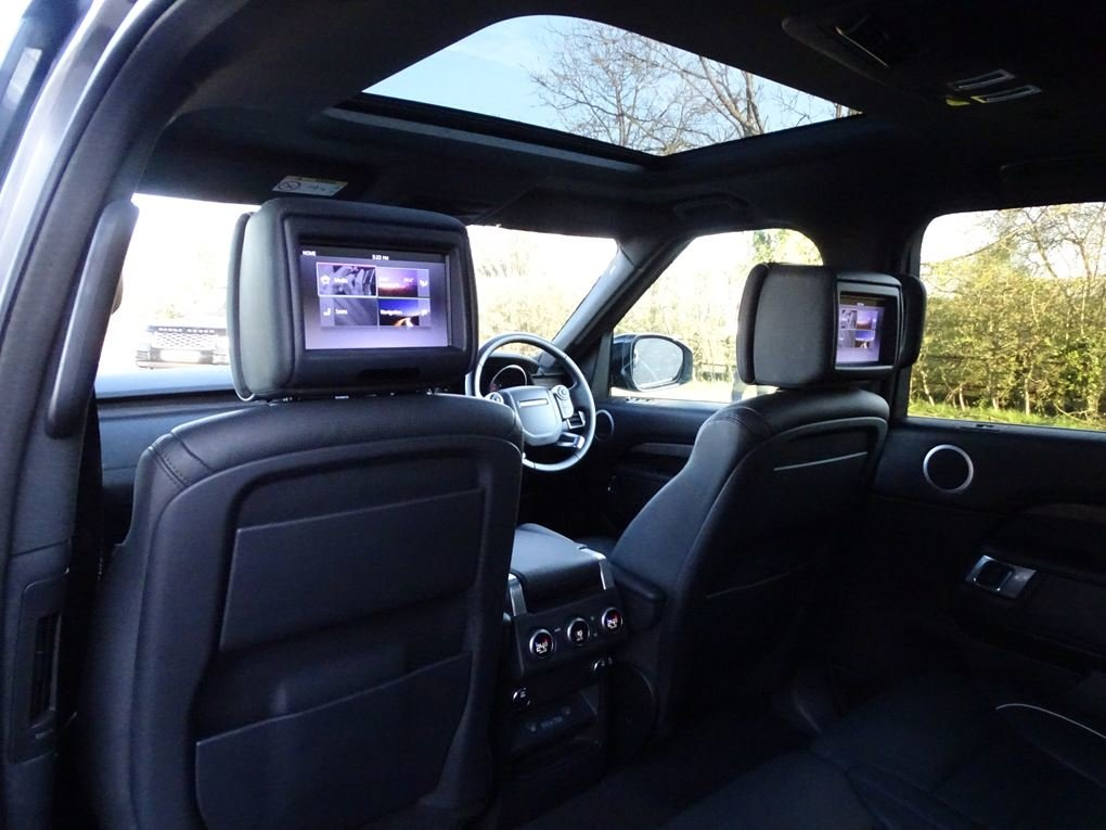 2017 Land Rover  DISCOVERY  3.0 TD6 HSE LUXURY EU6 7 SEATER 8 SPE For Sale (picture 14 of 24)
