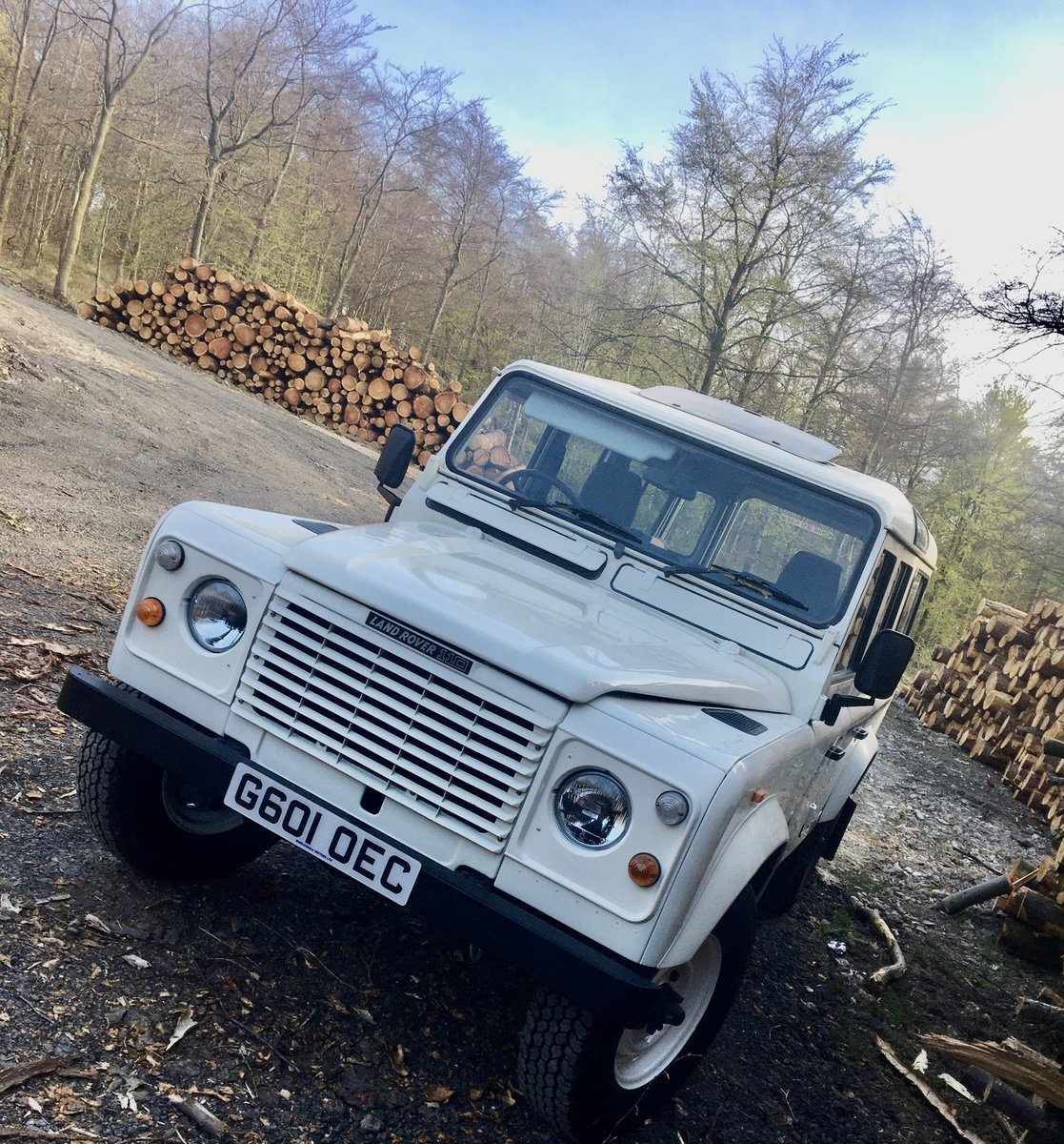 1989 Land Rover 110 Ex-NHS rare Factory V8. SOLD (picture 1 of 6)