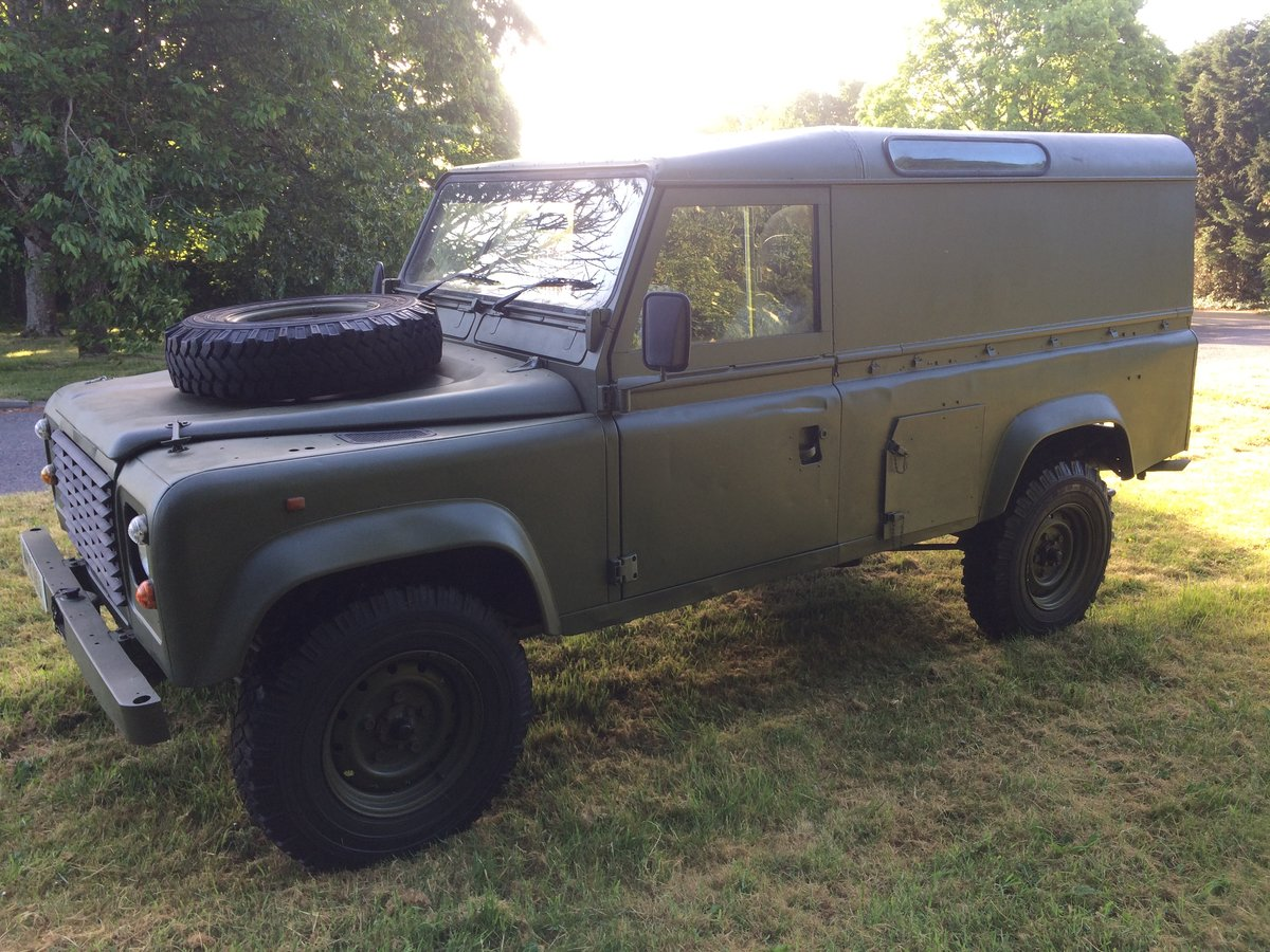 1995 Land Rover Defender 110 2.5 NA Ex MOD For Sale (picture 2 of 6)