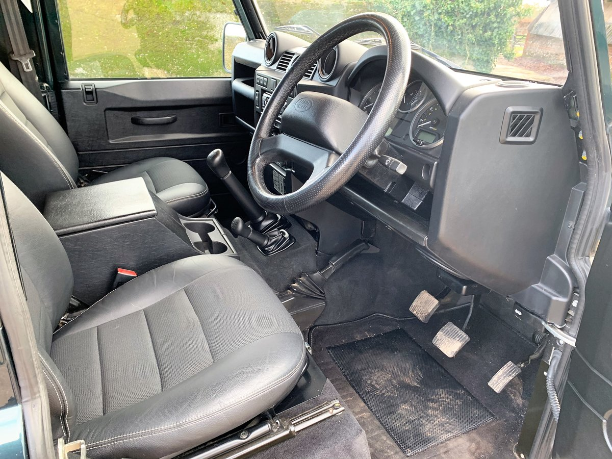 2014/64 DEFENDER 90 2.2TDCi XS HARDTOP WITH UPGRADES SOLD (picture 6 of 6)