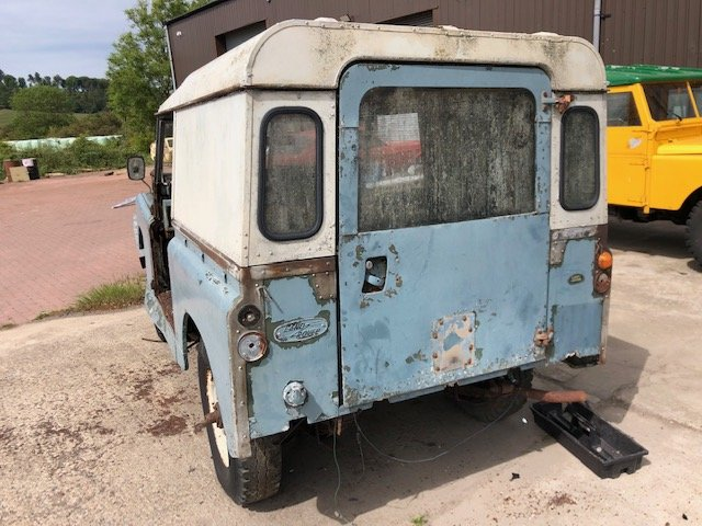1963 Land Rover series 2a hardtop Restoration project For Sale (picture 3 of 6)