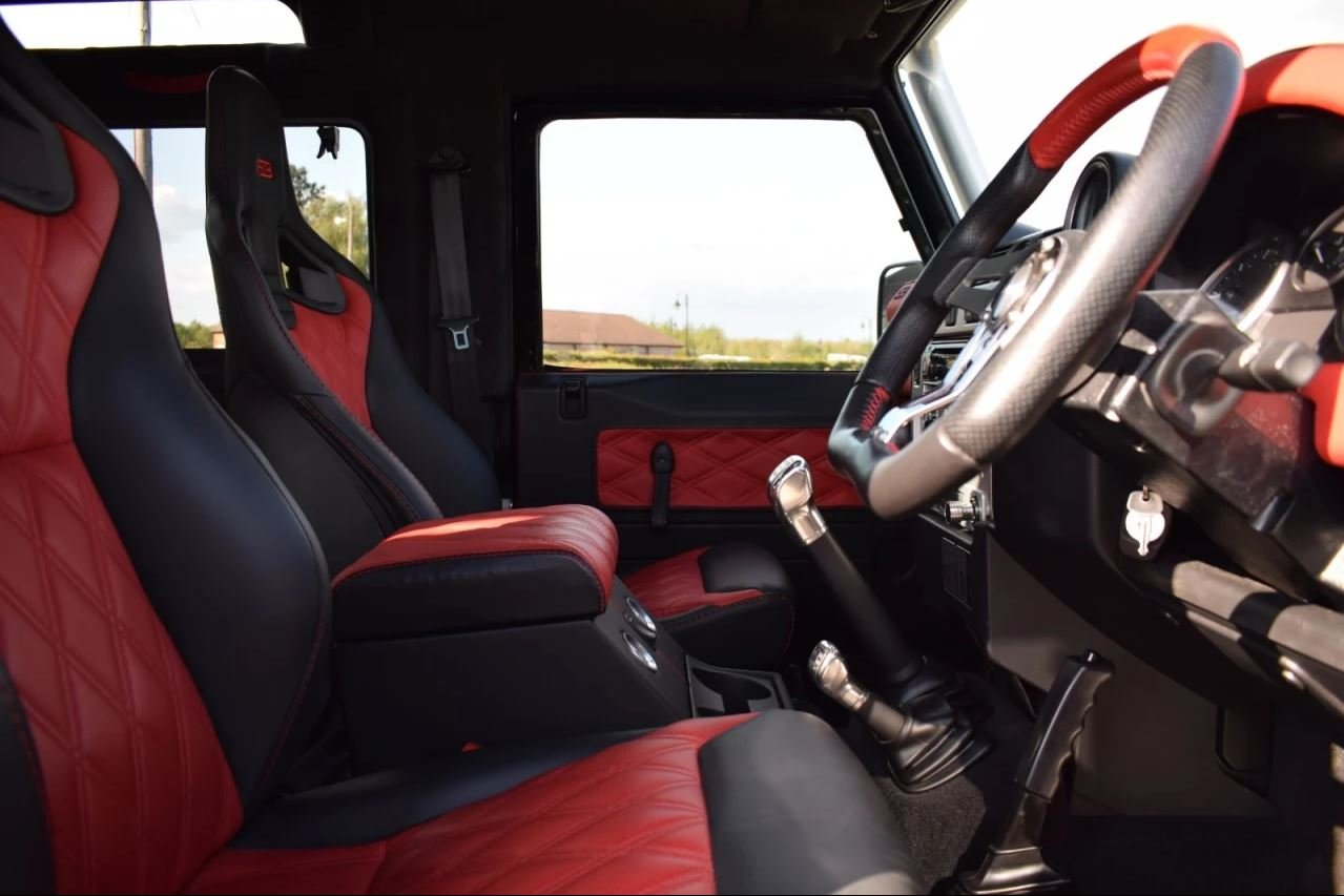 2008 Land Rover Defender SVX 60th Anniversary Model For Sale (picture 4 of 6)