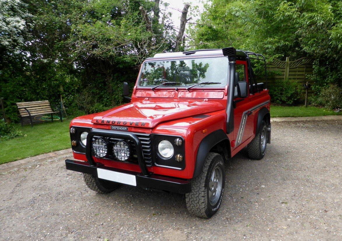 1993 OUTSTANDING RARE EXPORTABLE ORIGINAL 200 TDi DEFENDER 90  SOLD (picture 1 of 6)