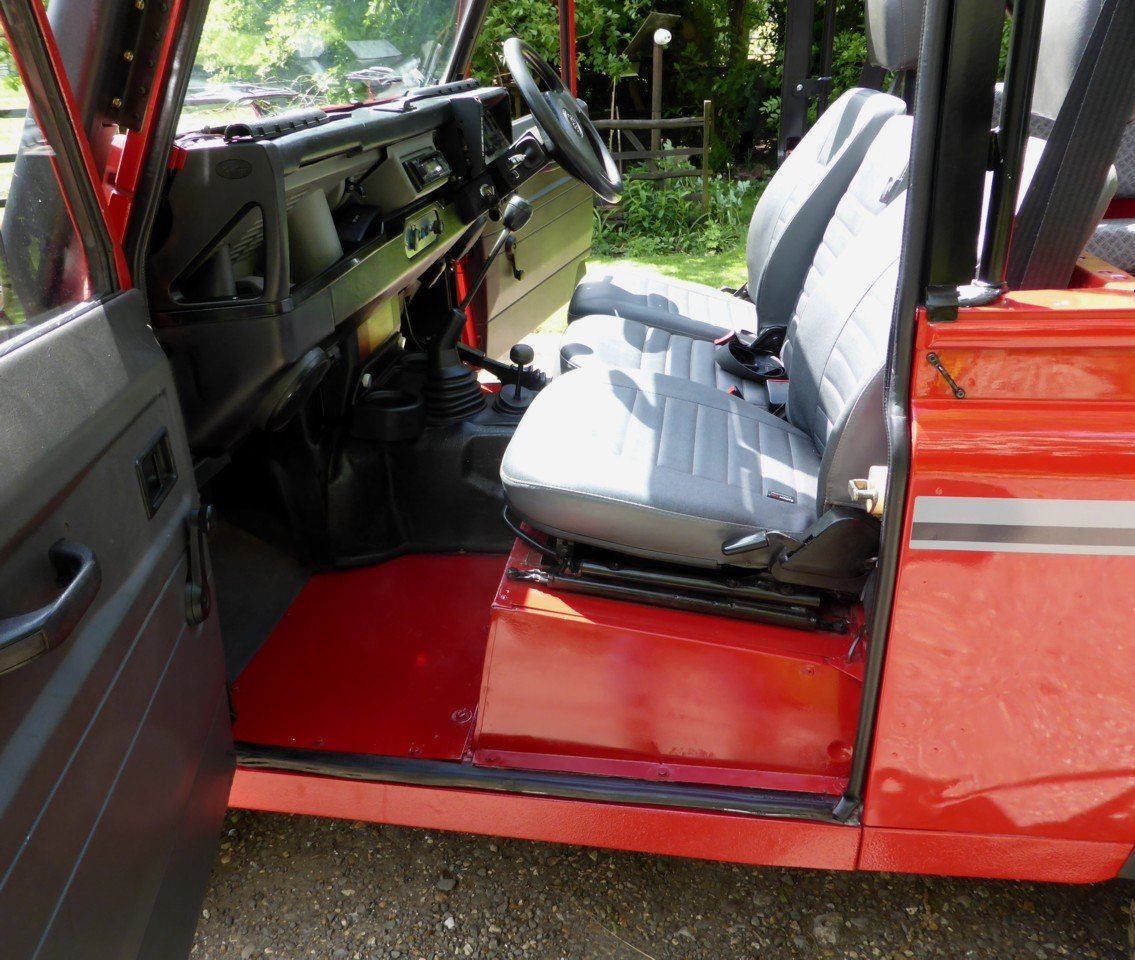 1993 OUTSTANDING RARE EXPORTABLE ORIGINAL 200 TDi DEFENDER 90  SOLD (picture 3 of 6)