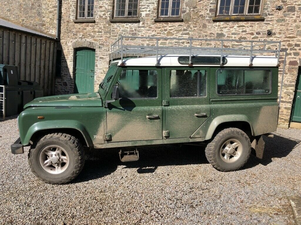 1999 Land Rover Defender 110 TD5 12 seater S/W For Sale (picture 4 of 6)