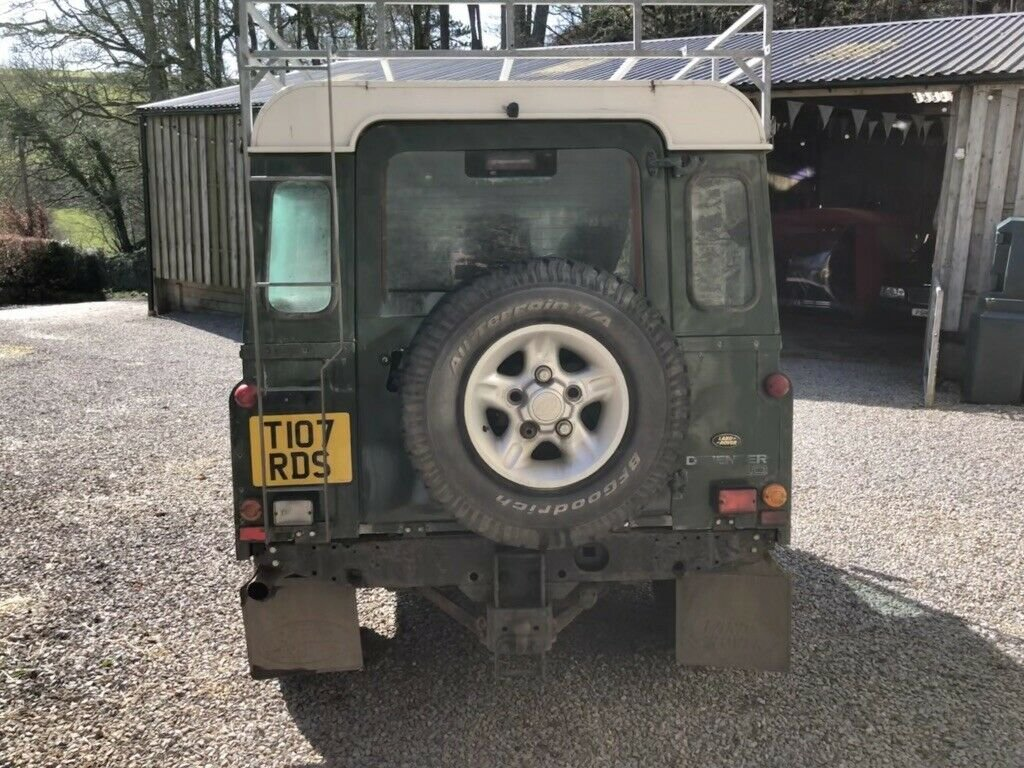 1999 Land Rover Defender 110 TD5 12 seater S/W For Sale (picture 5 of 6)