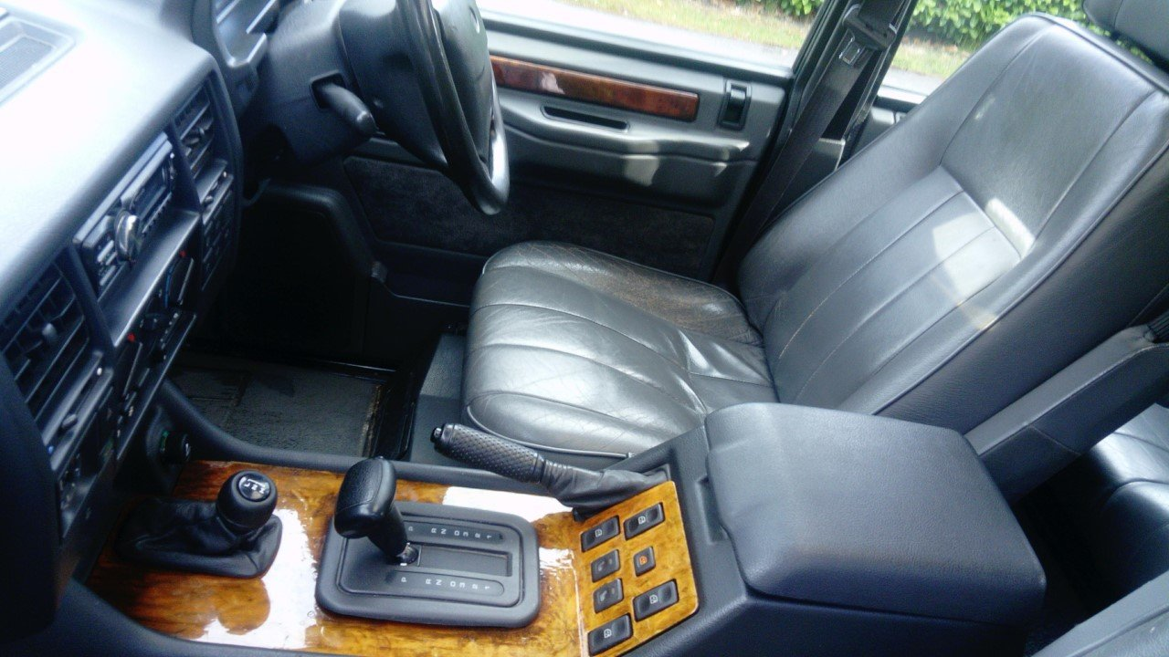 1994 Range Rover Vogue SE  Soft Dash For Sale (picture 6 of 6)