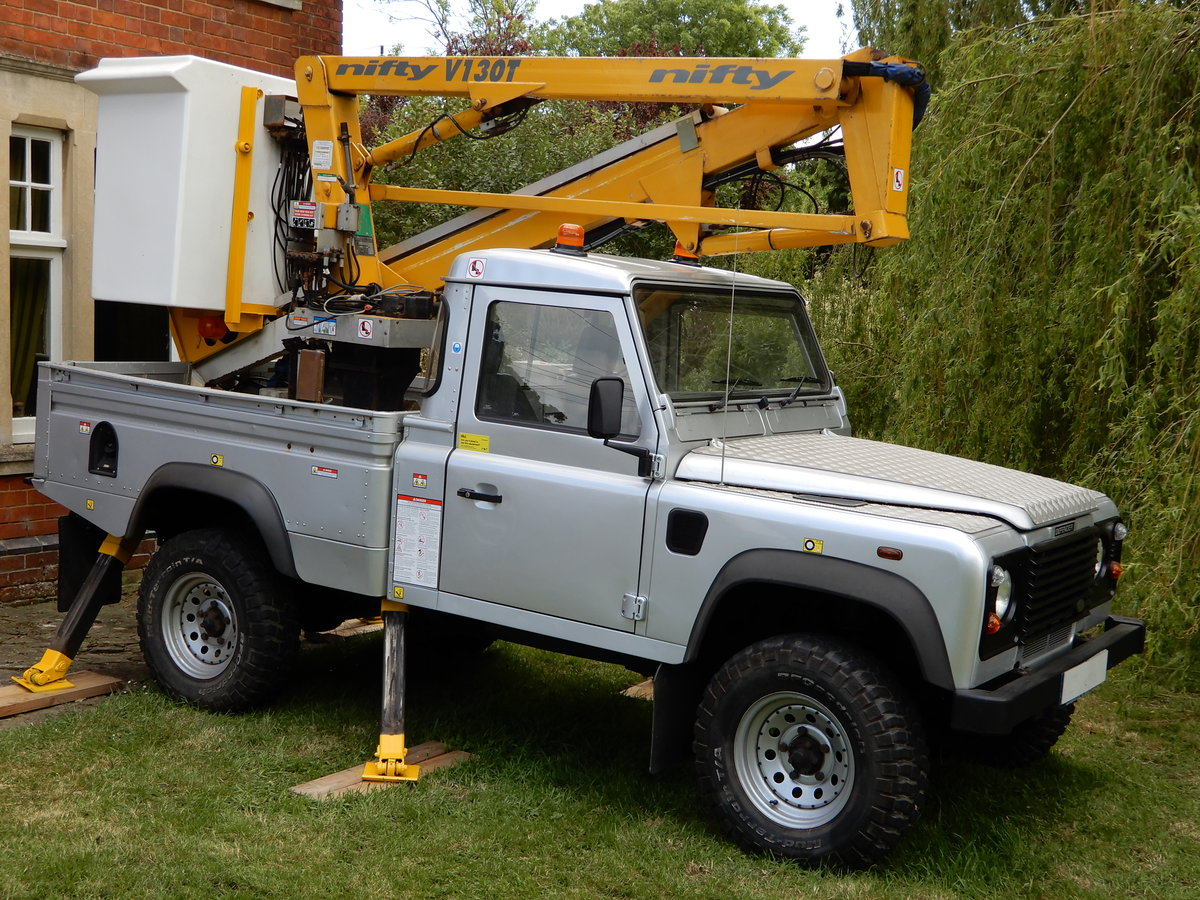 2005 Land Rover Defender 110 Cherry Picker SOLD (picture 3 of 6)