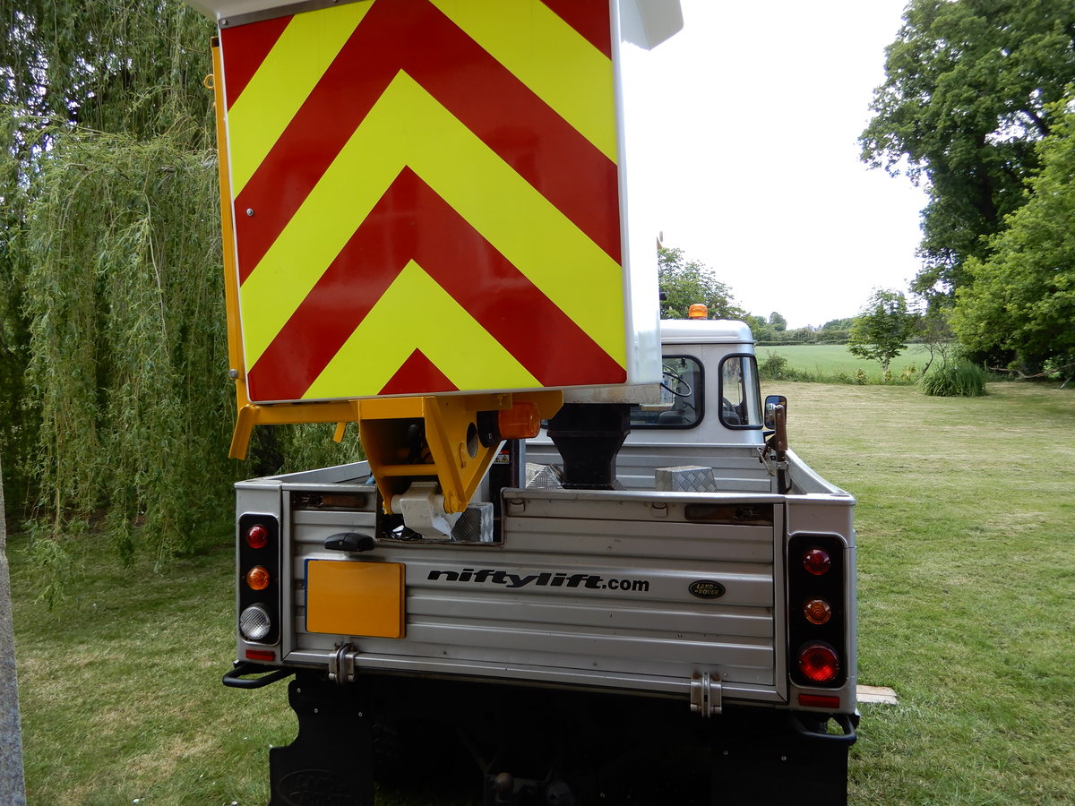 2005 Land Rover Defender 110 Cherry Picker SOLD (picture 5 of 6)