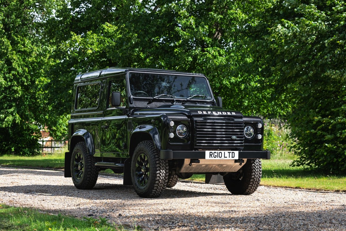 2016 (65) Land Rover Defender XS 90 For Sale (picture 1 of 6)