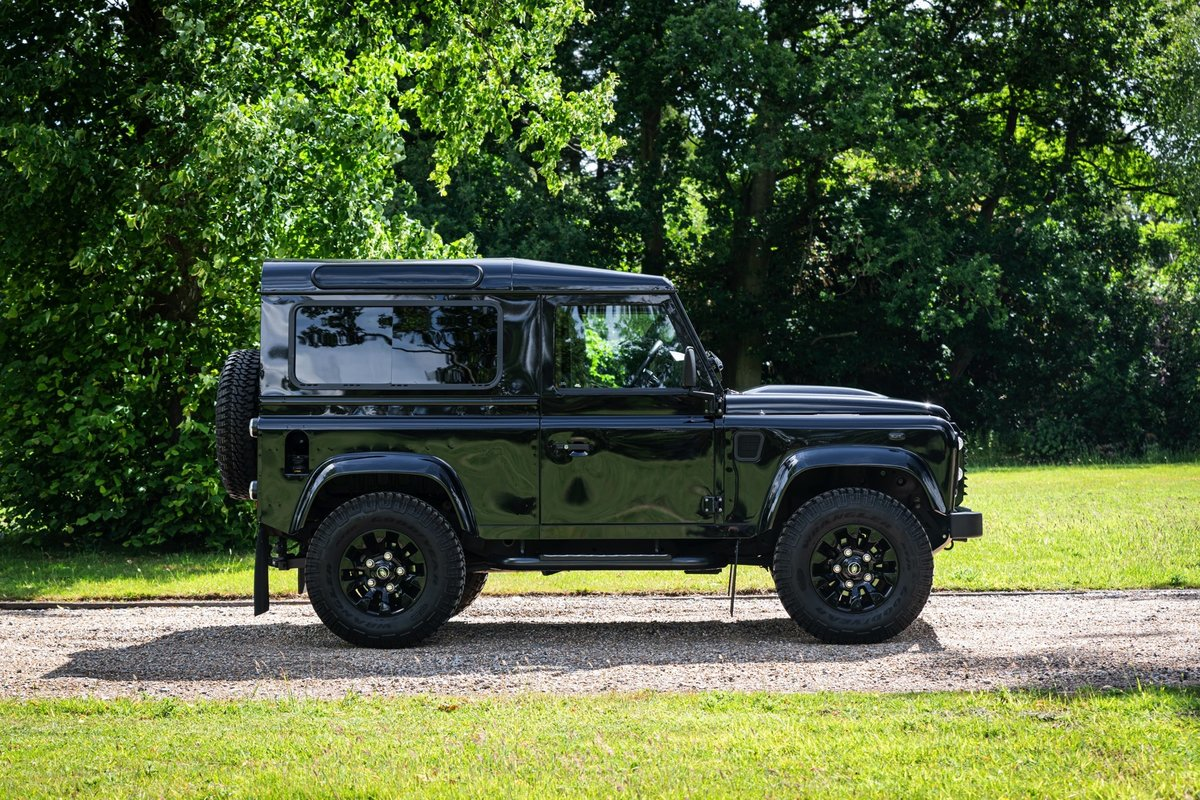 2016 (65) Land Rover Defender XS 90 For Sale (picture 2 of 6)