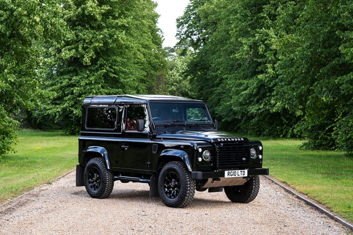 2016 (65) Land Rover Defender XS 90 For Sale (picture 3 of 6)