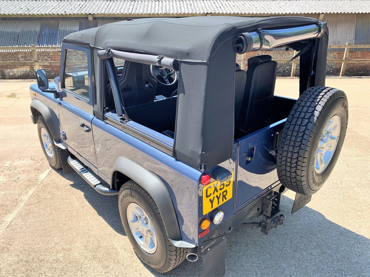 SUPERB 2009/59 DEFENDER 90 TDCi SOFT TOP 4 SEATER SOLD (picture 2 of 6)