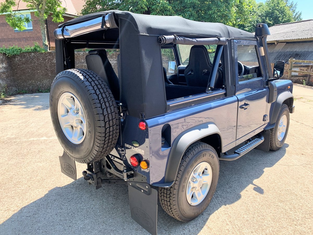 SUPERB 2009/59 DEFENDER 90 TDCi SOFT TOP 4 SEATER SOLD (picture 3 of 6)