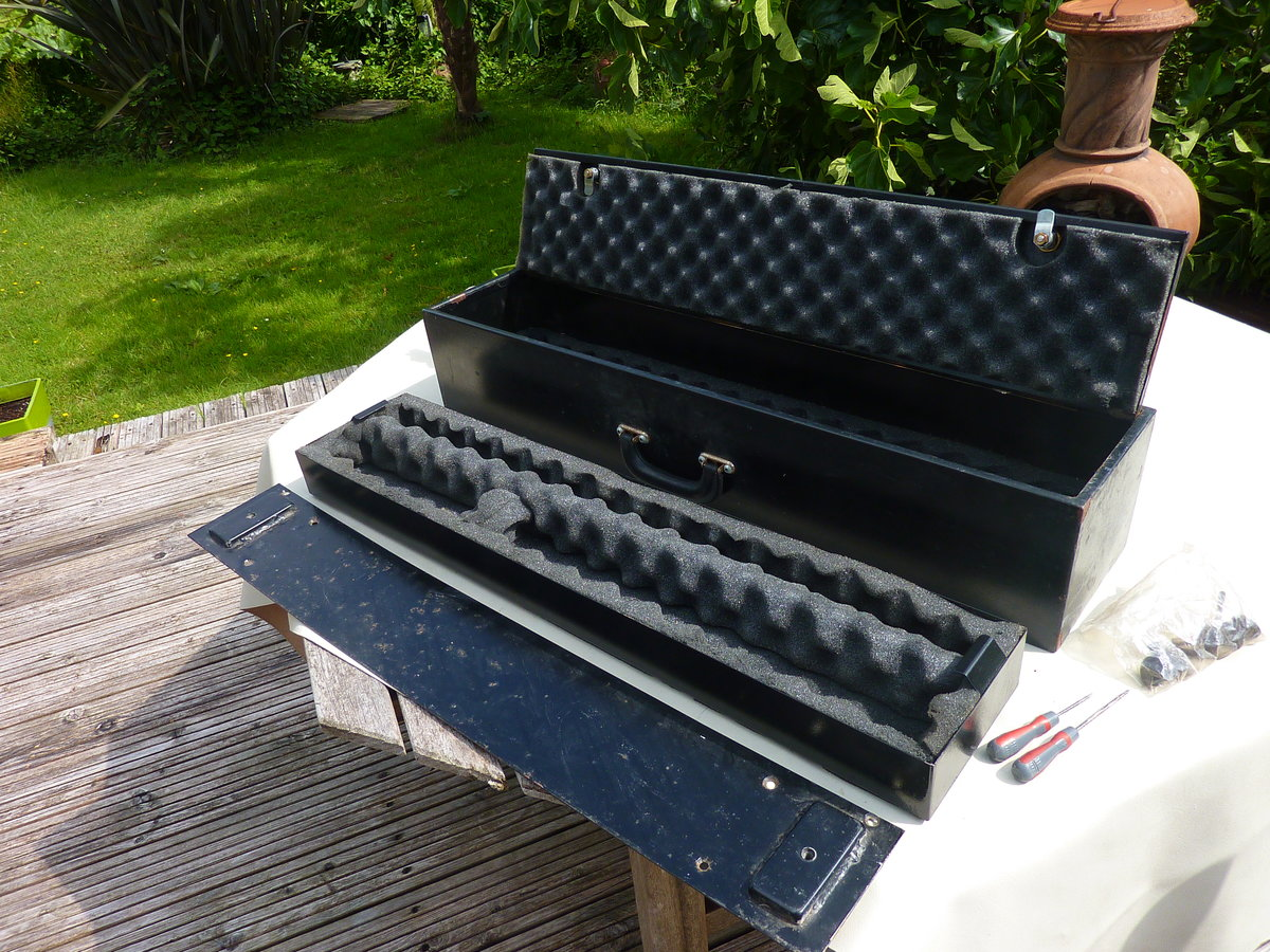 Stc8018ab - genuine land rover gun case - security For Sale (picture 1 of 6)