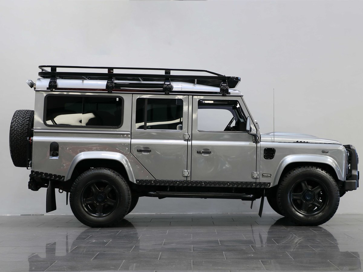 2012 12 12 LAND ROVER DEFENDER 110 TWISTED STATION WAGON 2.2 AUTO For Sale (picture 2 of 6)