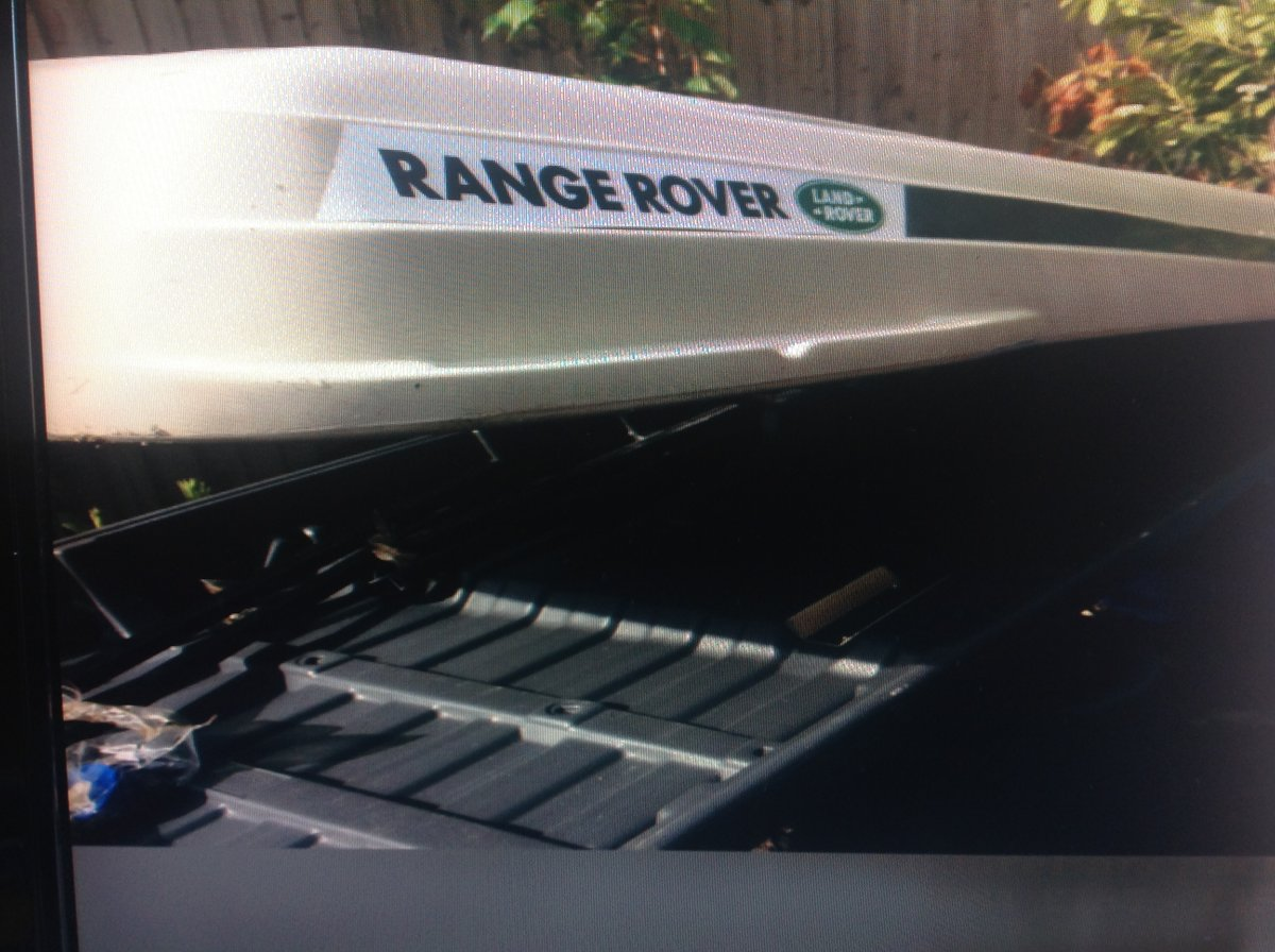 Range Rover P38 Roof Box and Roof system new Unuse For Sale (picture 3 of 6)