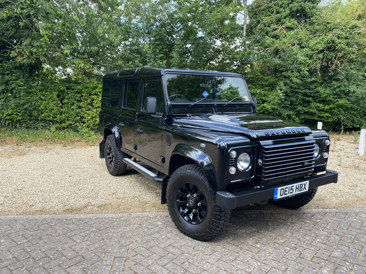 2015 Land Rover 110 XS UTILITY BLACK PACK LOW MILEAGE For Sale (picture 3 of 6)