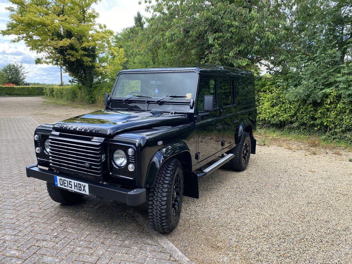 2015 Land Rover 110 XS UTILITY BLACK PACK LOW MILEAGE For Sale (picture 4 of 6)
