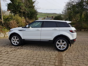 RANGE ROVER EVOQUE 2.2 SD4 PURE TECH 5D 190 B