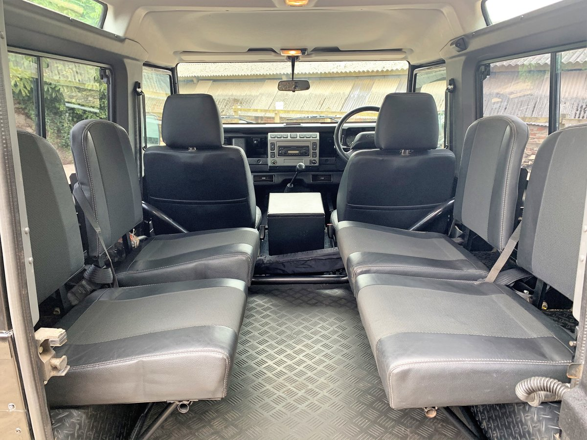 2006 Defender 90 TD5 XS Station Wagon - nice example SOLD (picture 4 of 6)
