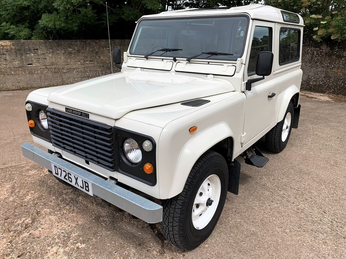 BEAUTIFUL RESTORED 1987 LAND ROVER 90 V8 CSW 6 SEATER SOLD (picture 1 of 6)