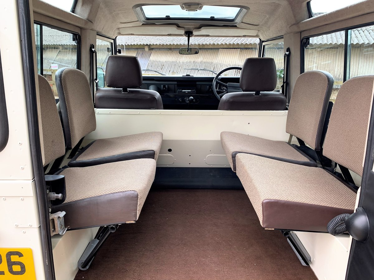 BEAUTIFUL RESTORED 1987 LAND ROVER 90 V8 CSW 6 SEATER SOLD (picture 5 of 6)