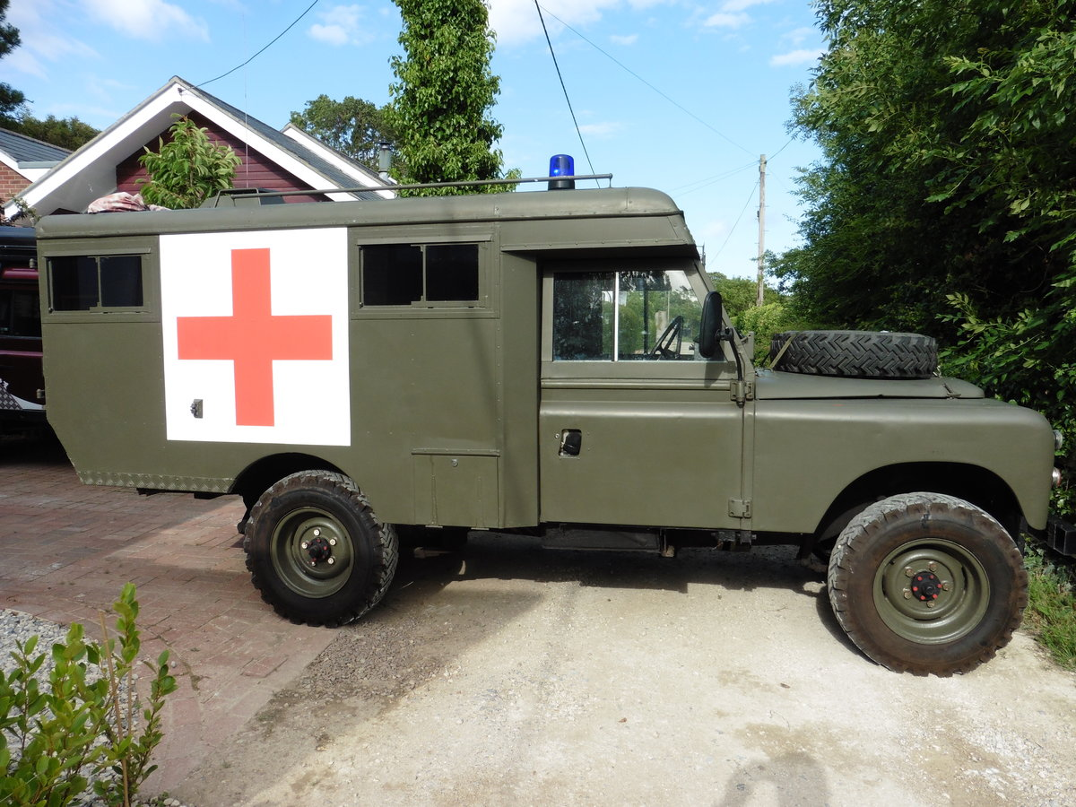 1981 Landrover series3 109 Ambulance SOLD (picture 2 of 6)