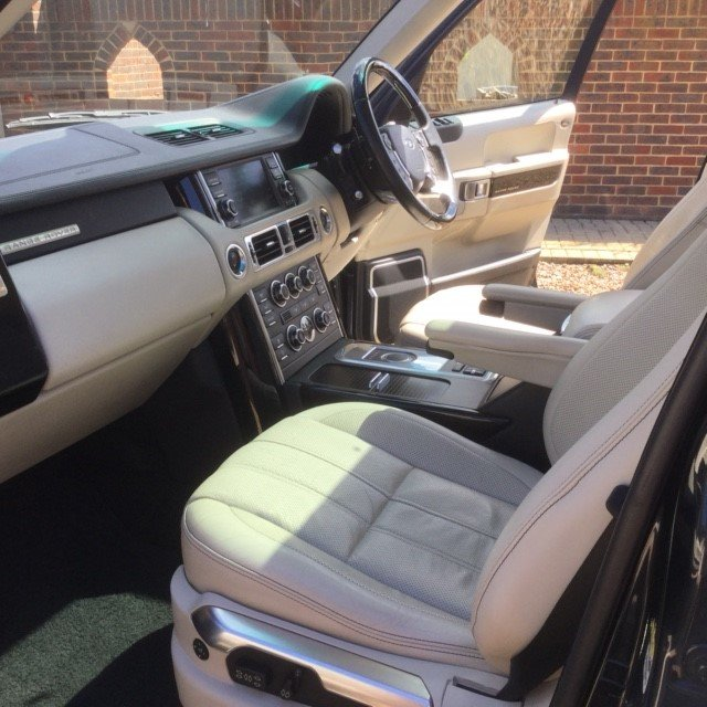 2011 Range Rover 4.4 TDV8 Autobiography Under 54000 Miles For Sale (picture 6 of 6)